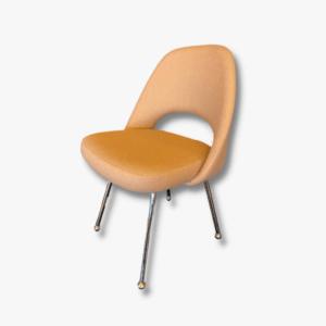 Eero Saarinen Knoll Konferenzstuhl Secondhand Vintage Möbel Dekoration Schweiz (1)