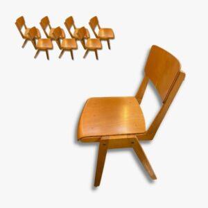 Stapelbare Holzstühle Chaises bois Secondhand Vintage Möbel Dekoration Schweiz